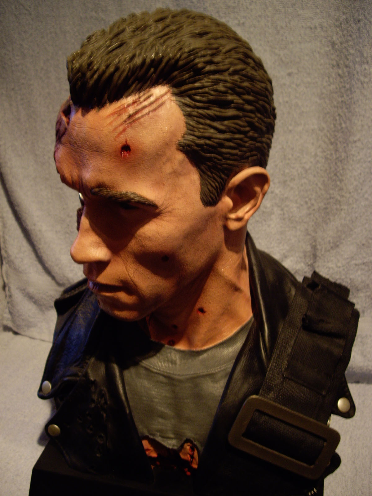 scale T-800 Arnold Bust